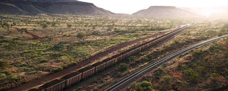 Největším robotem na světě je australský autonomní těžební vlak